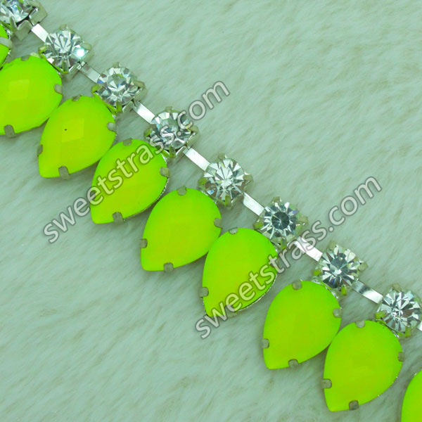 2015 Fashion Acrylic Rhinestone Chain By The Yard Wholesale