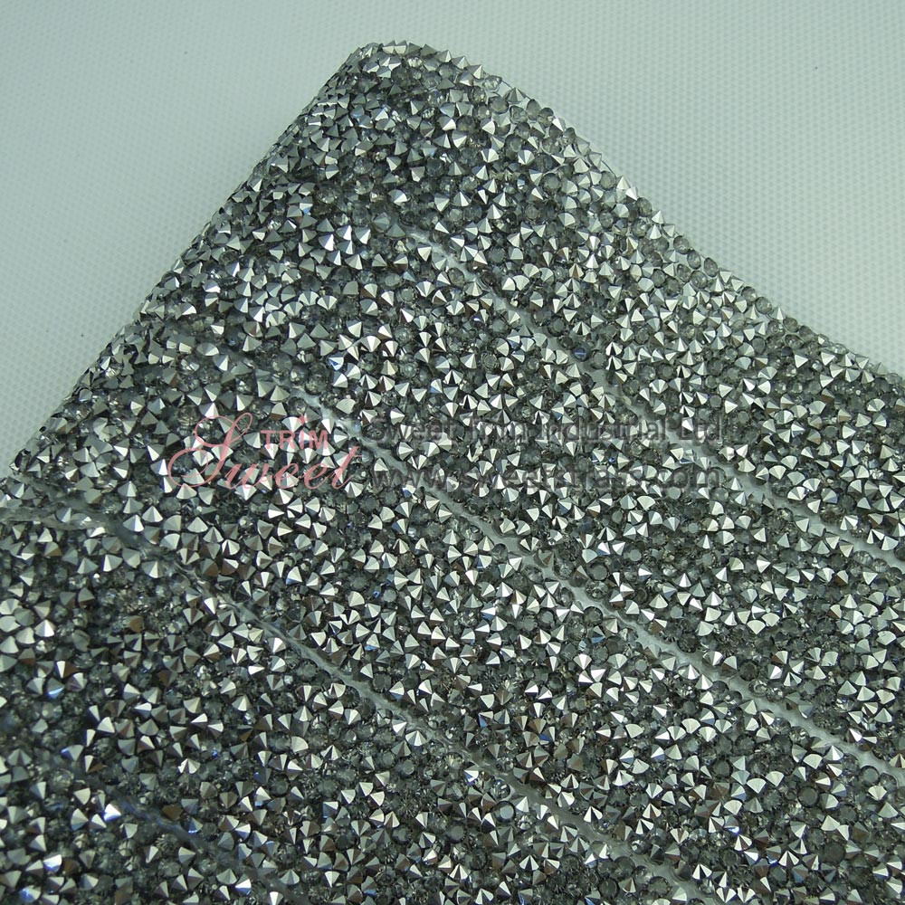 <b>2.5cm Hot Fix Black Diamond Epoxy Rhinestone Sheet Roll Wholesale</b>