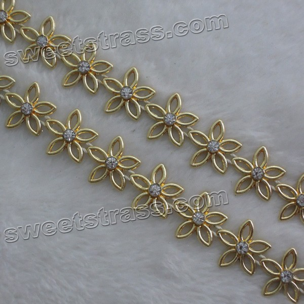 <b>Flower Plastic Shoes Rhinestone Banding Trim Wholesale</b>