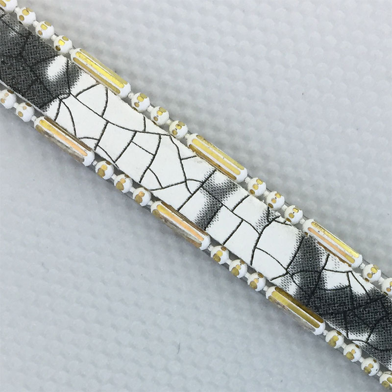 2018 new disigns hotfix black crystal chain and brass chain strip