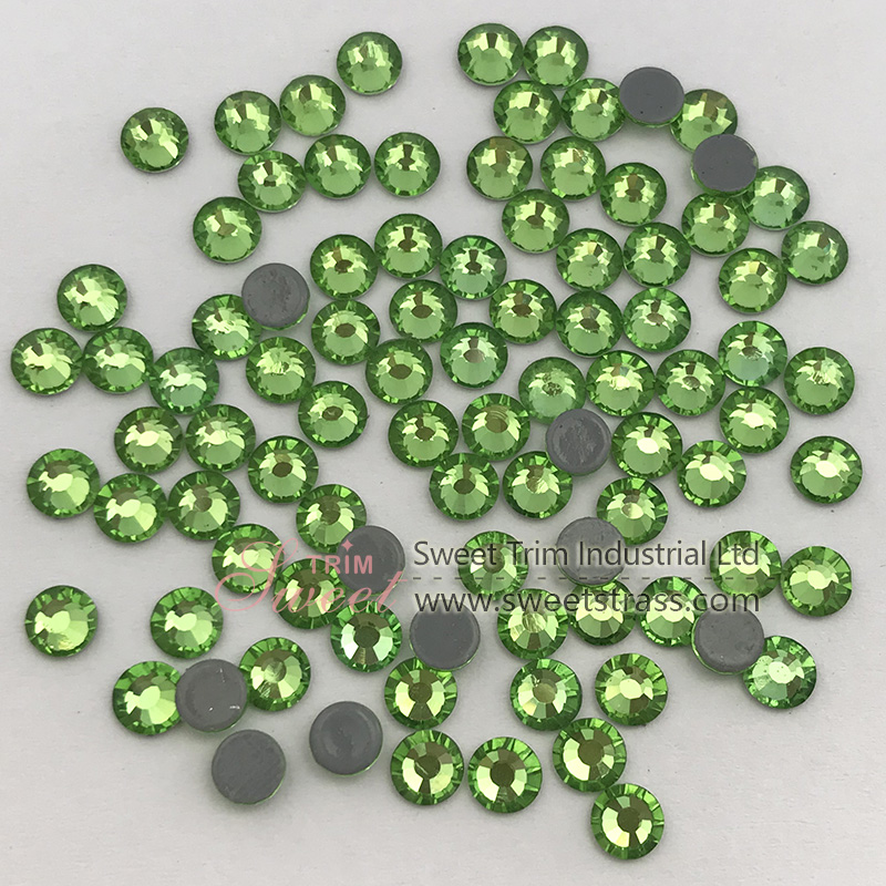 Hotselling new color stone Peridot color ss20 flatback High quality iron on strass hotfix rhinestone